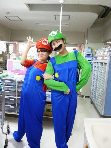 11月21日 千葉県こども病院4東ハロウィーンのお祭り