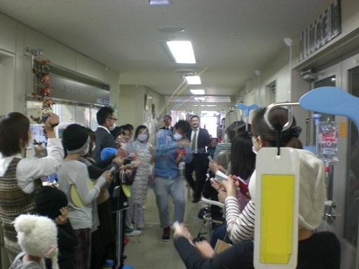 1月27日 千葉ロッテマリーンズの今江選手と千葉県こども病院を訪問