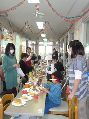 12月15日 千葉県こども病院でクリスマスパーティー