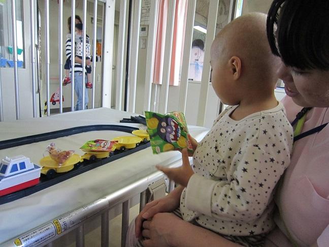 2月11日 こども病院でおやつパーティーをしました