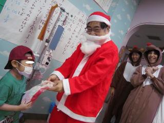 12月23日 こども病院 クリスマス会