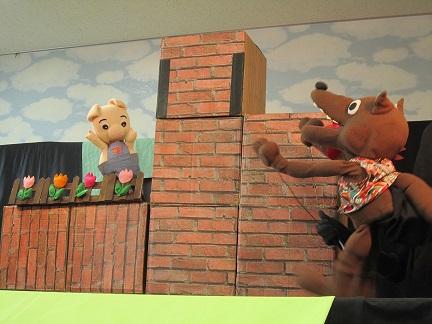 7月19日 こども病院で人形劇を見ました