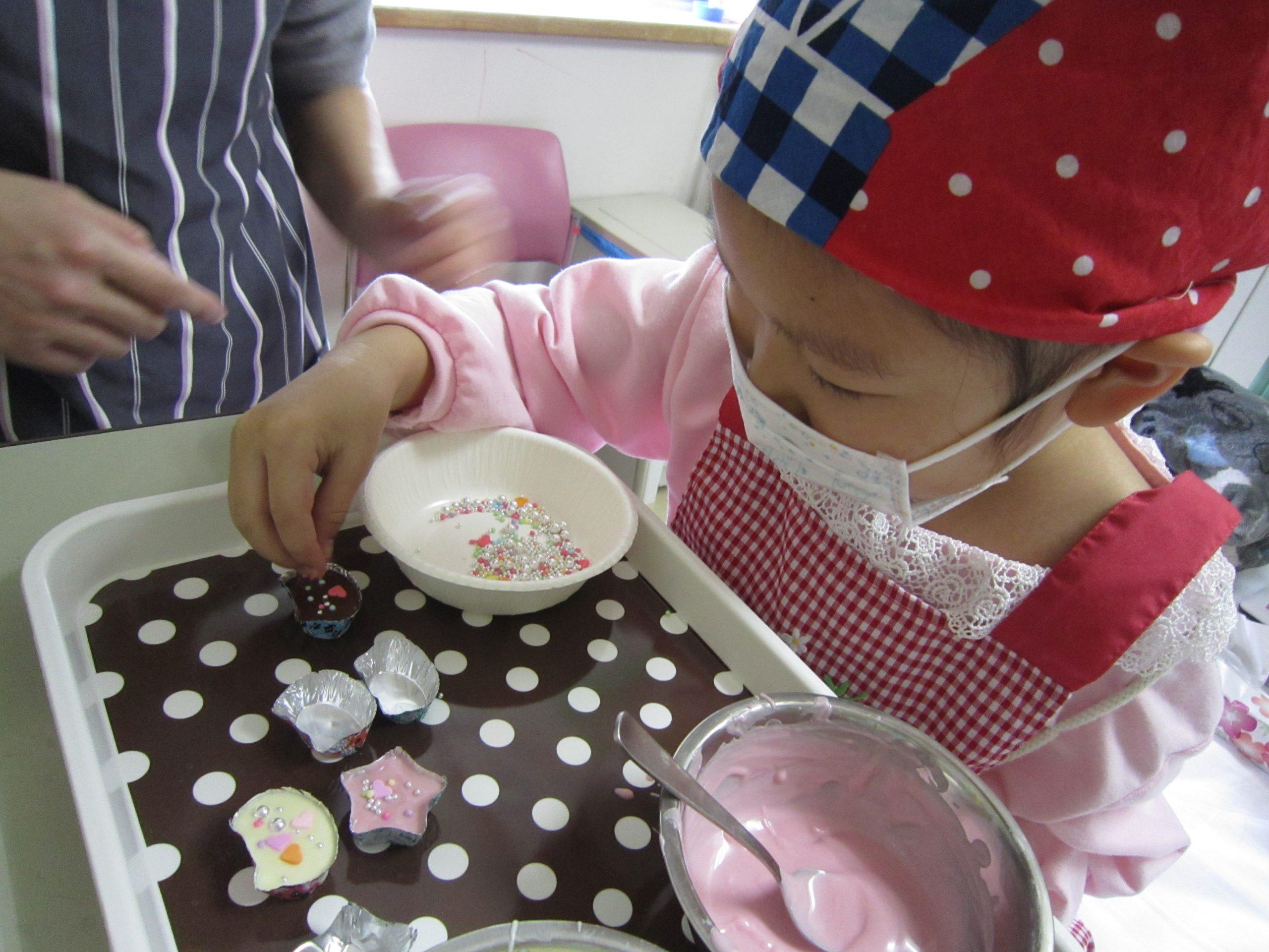 2月13日 千葉県こども病院 バレンタインデーのチョコ作り